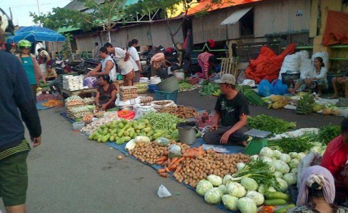 Jualan Sayur di Pasar