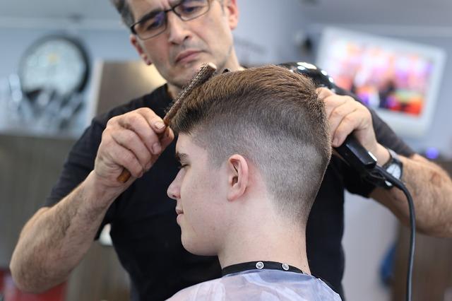 Potong Rambut Panggilan